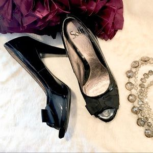 Sofft Black Patent Bow Peep Toe Platform Heels